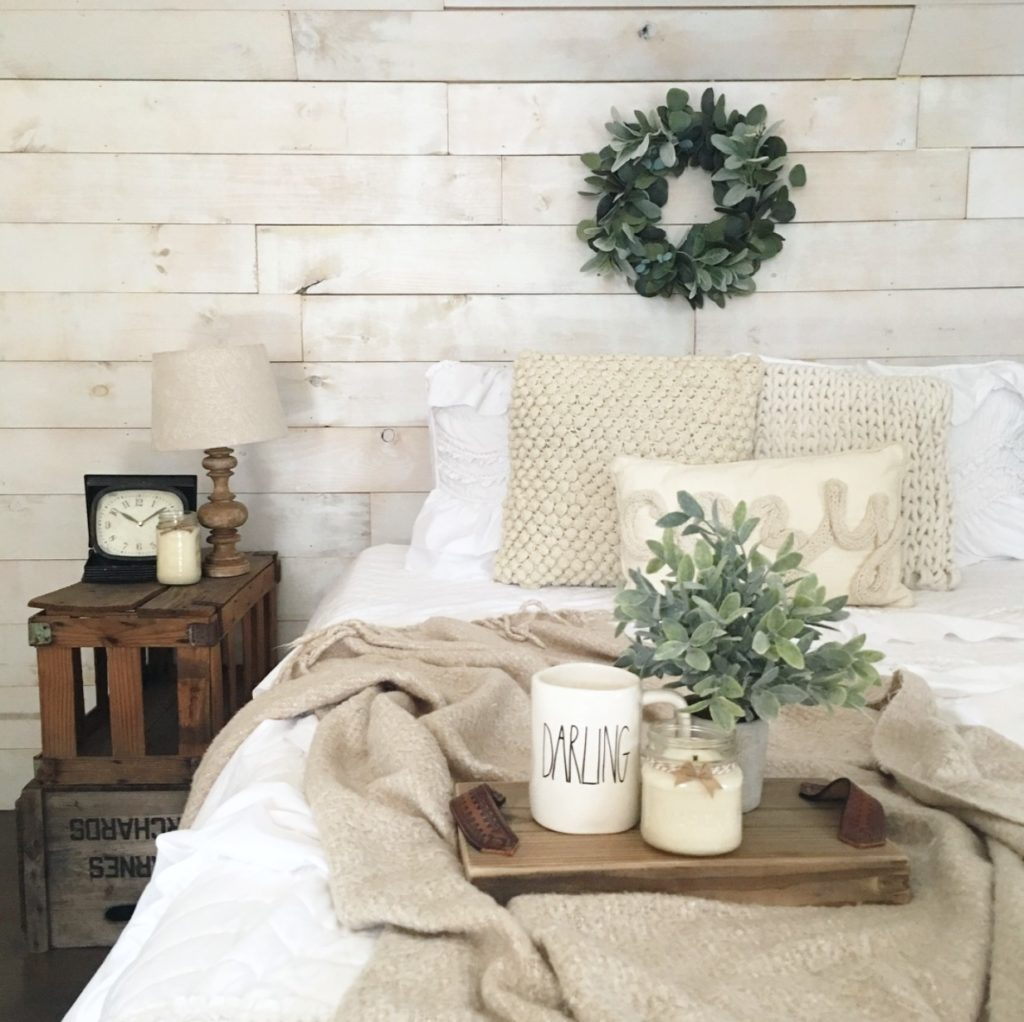 The Perfect Farmhouse Wreath Ft. Charming Pine Vintage Design